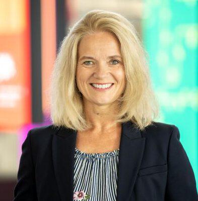 Unser Teammitglied Bettina Groß LernHelden.online Customer Experience, Expertin für Kundenbeziehungsmanagement und Marketing