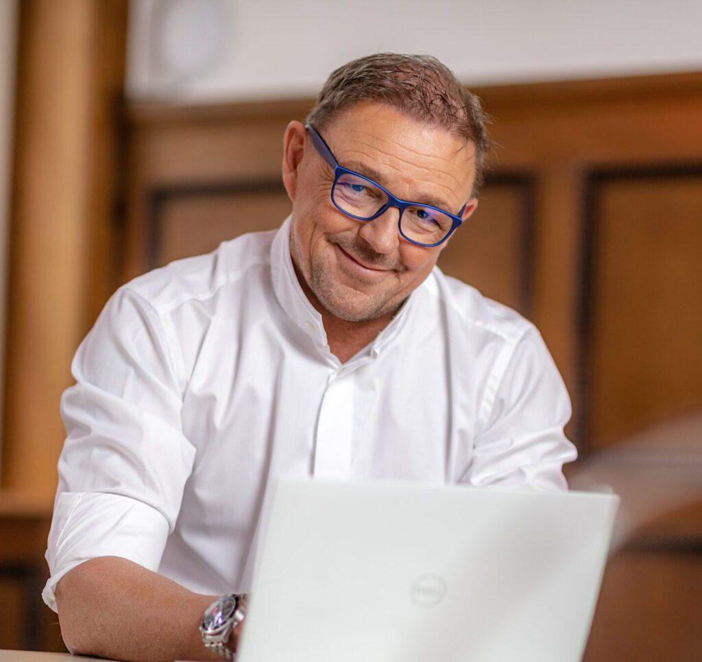 LernHelden.online Dr. Stefan Schulte - Data und AI, Experte für Customer Data Intelligence und AI